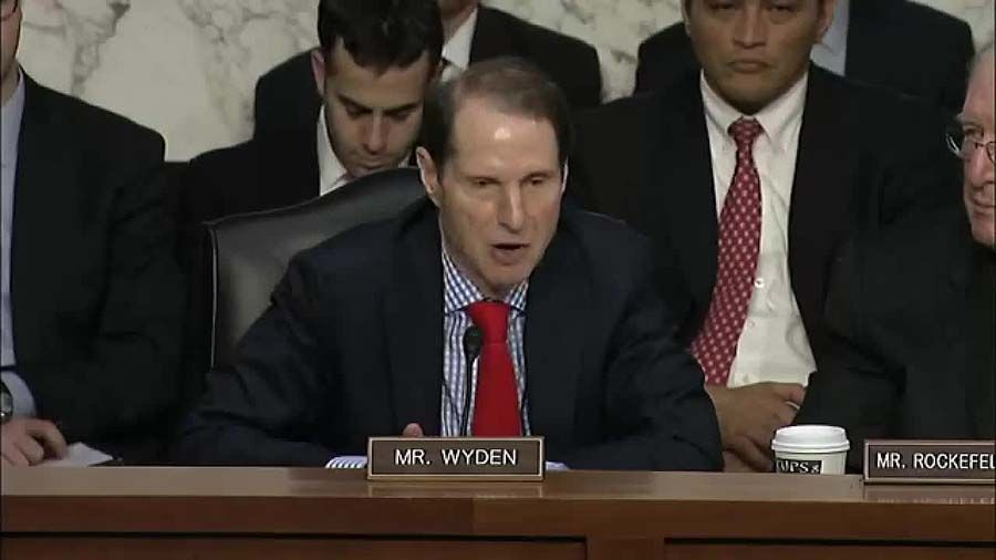 Photo of Senator Ron Wyden testifying